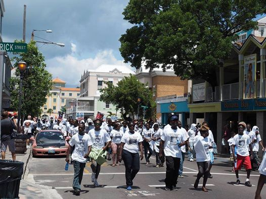 Photo: I mean everywhere ya turn someone trying to throw out the Government or cussin the Government over something - LOOK AT THE UNEMPLOYED PEOPLE ON BAY STREET ON A MONDAY MORNING Marching to Bay Street over a row in Lyford Cay - Boy YOU COULD BUY BAHAMIANS NOW A DAYS!!!!